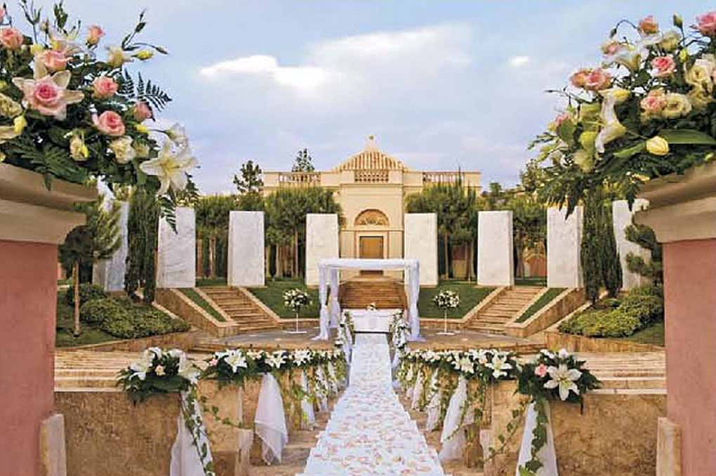 Why andaluc a wedding is so popular among couples for Beautiful gardens to get married in